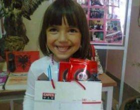 """Dhurata për fëmijët e shkollave nga xhamia """"Dino Hoxha"""""""