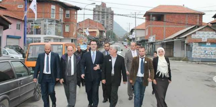 Mitrovicën duhet bashkuar me paqe, jo me luftë