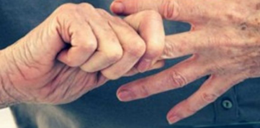 Si ndodh kërcitja e gishtave dhe çfarë pëson trupi ynë në atë moment?
