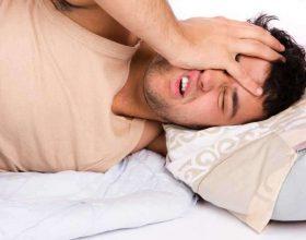 Kërcitja e dhëmbëve në gjumë