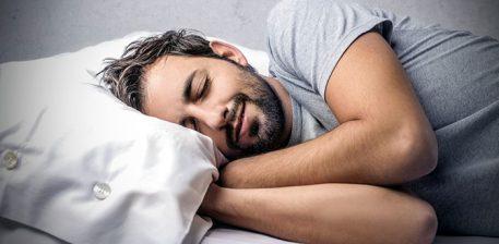 Pse duhet të flemë në krah të djathtë?