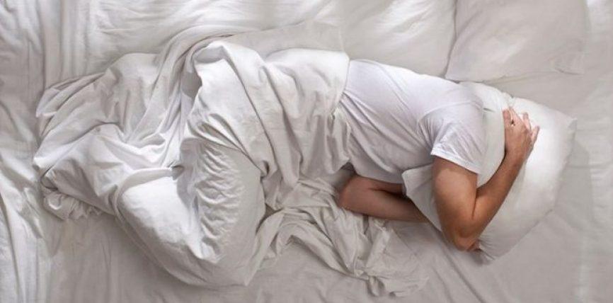 Pesë problemet që mund t'iu shfaqen nëse nuk flini mjaftueshëm