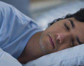 Pse nuk na punon truri kur jemi pa gjumë?