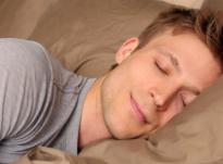 Në cilën anë duhet të flejë njeriu?!