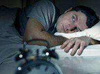Nuk flini dot kur s'jeni në shtratin tuaj? Ja pse