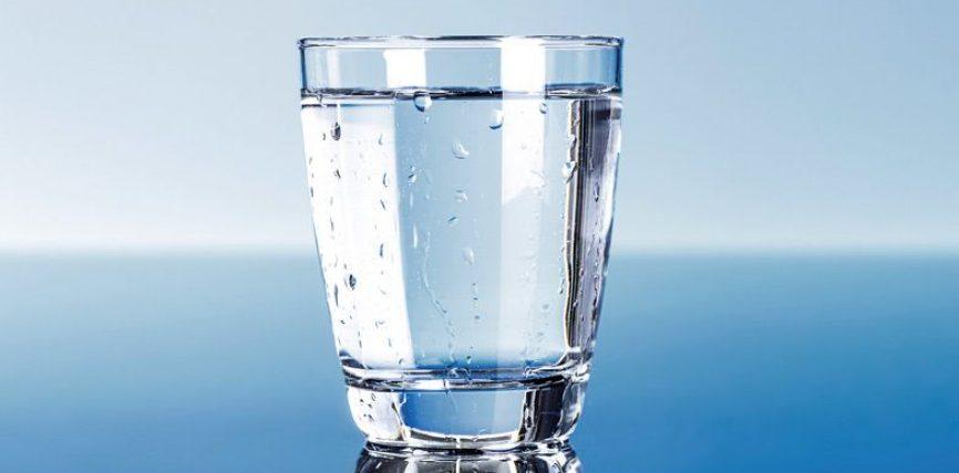 Përdore Fatihanë si ilaç duke e kënduar mbi ujë Zemzemi për shumë sëmundje