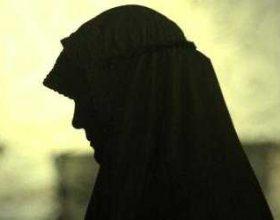 Suedi, sulmohet fizikisht myslimanja shtatzënë