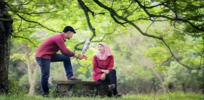 Eshtë pyetur një grua përse burri yt të do ty,e nuk shikon tjetër në këtë botë,pos teje?