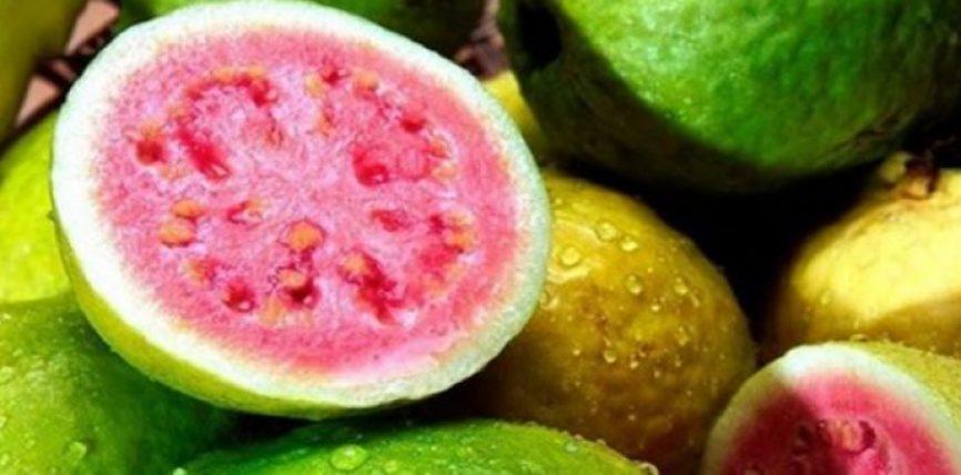 Ky frut lufton tensionin e lart, rregullon nivelet e sheqerit ne gjak dhe forcon rrenjen e flokeve