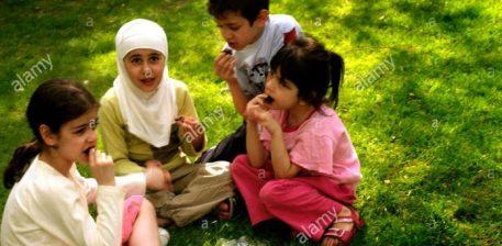 Ja se cilat sëmundje të fëmijëve i shërojnë hurmat
