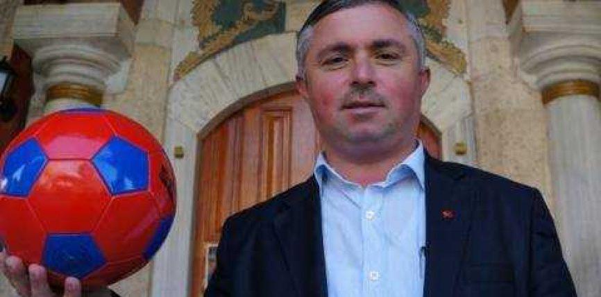 Imamët turq luajnë futboll me priftërinjtë bullgarë
