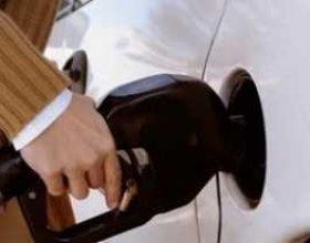 Disa metoda si të kurseni karburantin e makinës suaj
