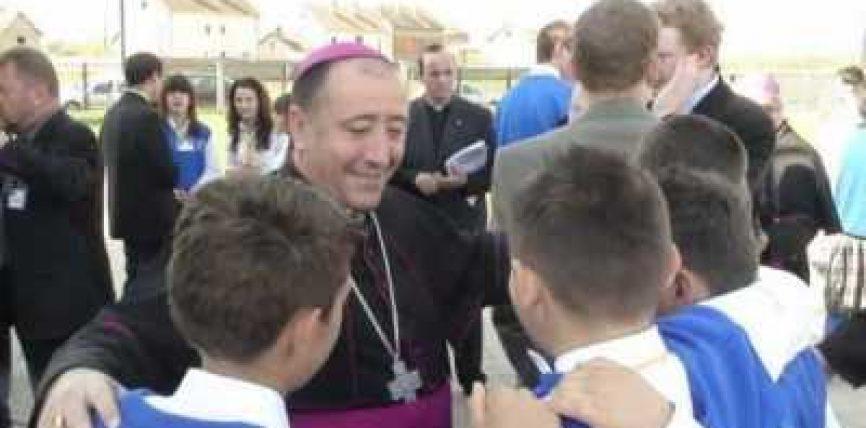 """Jezuitët katolik kamuflohen në shkollën """"Loyola"""" në """"sensin evropian"""", për të promovuar krishterimin"""