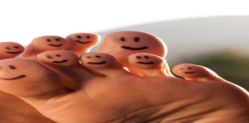 Disa këshilla për erën e pakëndshme të këmbëve