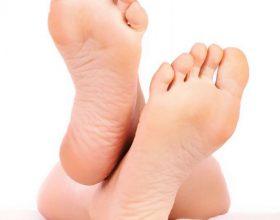 Çfarë ndodh nëse qëndroni çdo ditë nga 20 minuta me këmbët lart në ajër?