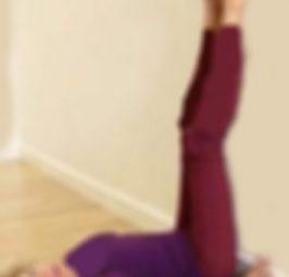3 Arsye pse duhet të vendosni këmbët në mur çdo ditë. Ushtrimi qe rekomandon cdo mjek
