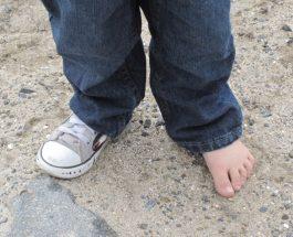 Mos ec me një këpucë