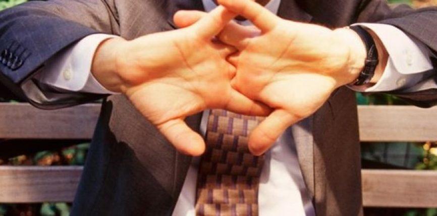 A është e dëmshme kërcitja e gishtave?
