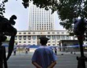 Intensifikohet debati politik në Kinë