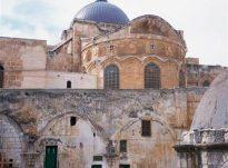 Pse kalifi nuk u fal në Kishë?