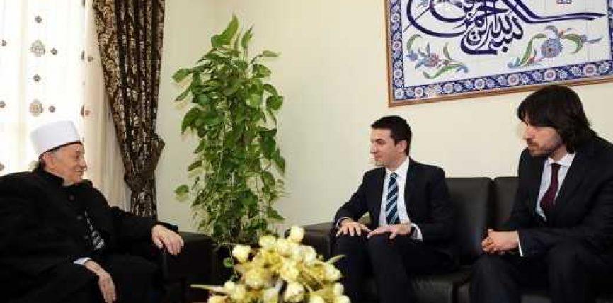 Ministri Veliaj vizitë në KMSH
