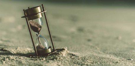 Në tri gjëra mos e humbë kohën tënde