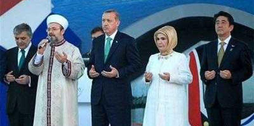 Edhe kryeministri japonez lutet që Zoti ta bekojë tunelin e ri Marmaraj