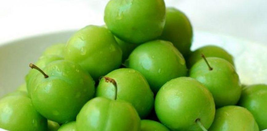 Kumbullat jeshile, fruti më i përhapur, por i harruar në shtëpitë tona. Jashtzakonisht te shendetshme !