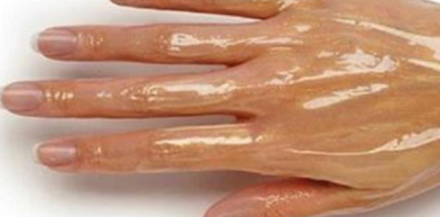 3 Trajtime në shtëpi për të rinuar lëkurën e duarve!