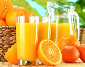 100 gr. frut të portokallit përmbajnë
