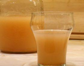 Nëse do i dinit të gjitha vetitë shëruese të këtij lëngu, do ta pini cdo ditë!