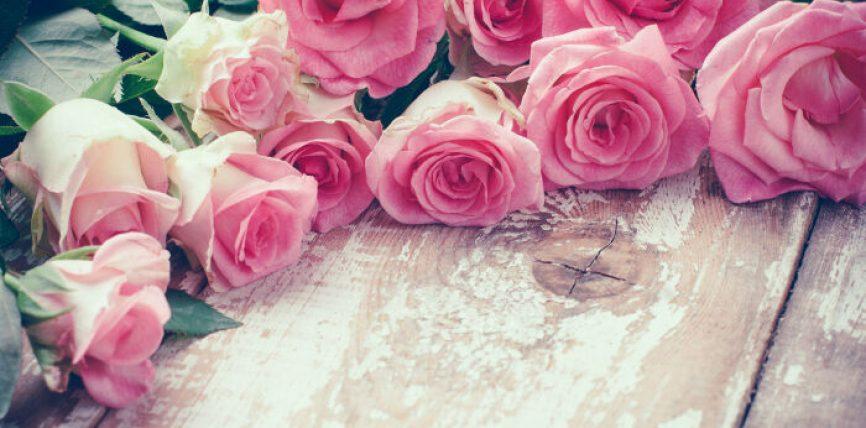 16 shenja që tregojnë se ai ju dashuron MARREZISHT
