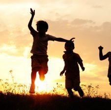 Përse njerëzit vështirësohen që të jenë të lumtur