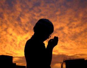 Rregullat e mirësjelljes me rastin e lutjes