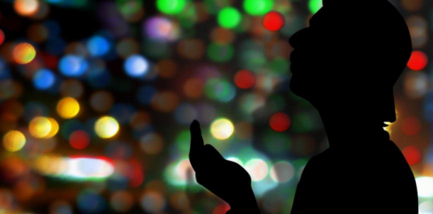 Dobia e lutjeve dhe përmendjes së Allahut në mbrojtjen e njeriut