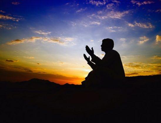 (Thuani keto lutje ne Ramazan 1 ore para iftari) Lutje shqip për shkatërrim të sihrit (Thuaji cdo ditë thuaje vetes ,familjes apo dikujt të afërm që është i prekur nga sihri)