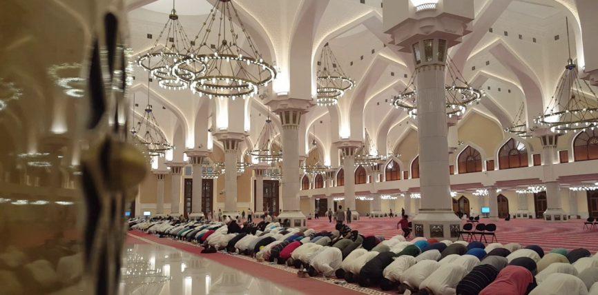 Lutje ne kunut per sherim nga cdo sy te keq ,hased dhe magji (live) Imami ben lutje