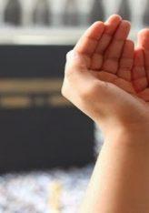 Kur profeti a.s përballej me ndonjë situatë të vështirë, ngrinte kokën nga qielli dhe lutej