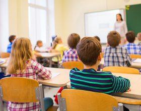 Përse mësuesit ndihen të lodhur pas mësimit?