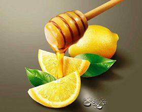 Dobësohuni me mjaltë dhe limon