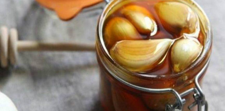 Kombinimi mrekullues, mjalti dhe hudhra