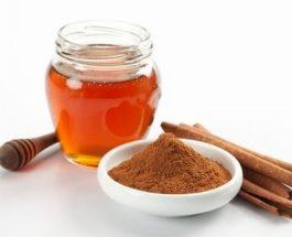 Çaji i përbërë nga mjalti dhe pluhuri i kanellës, kur të merren me rregullt mund të ndikojë në mos mplakje