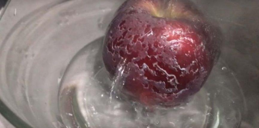 Vendosni mollët në ujë të nxehtë dhe nëse kjo ndodh, ato janë kancerogjene (video)