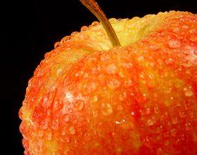 Një mollë në ditë e mban doktorin larg