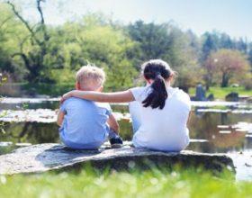 7 Arsyet pse motra juaj e madhe është dhurata më e madhe nga prindërit