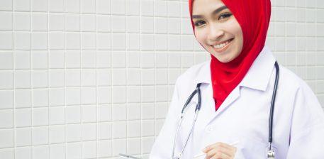 Si e pranoi mjekja amerikane Islamin