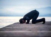 O Muhamed, Allahu ka një rob që e ka adhuruar Atë 500 vite