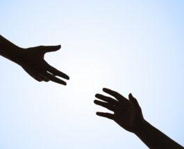 Psikologet: Ja çfarë mund të bëni nëse i afërmi juaj tenton vetvrasjen