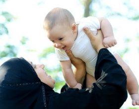 7 gabimet më të shpeshta që bëjnë nënat e reja