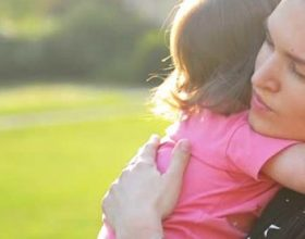 Letra e nënës për të bijën që duhet lexuar nga çdo «fëmijë» pavarsisht moshës